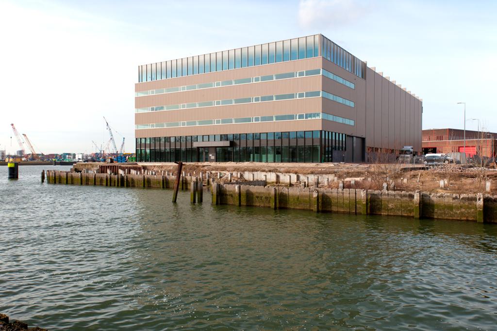 Rotterdam Heijplaat, bedrijfsgebouw Condor