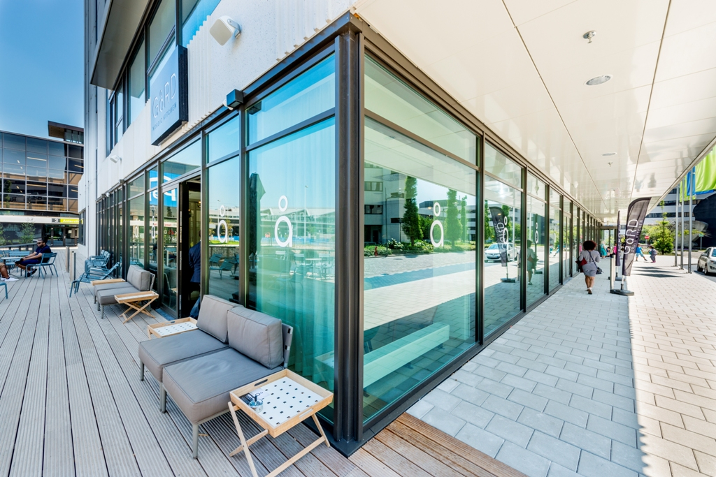 courtyard amsterdam lieftink geveltechniek. Black Bedroom Furniture Sets. Home Design Ideas